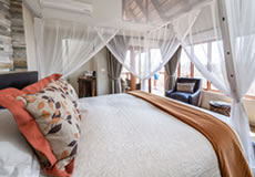Impodimo Game Lodge Suite